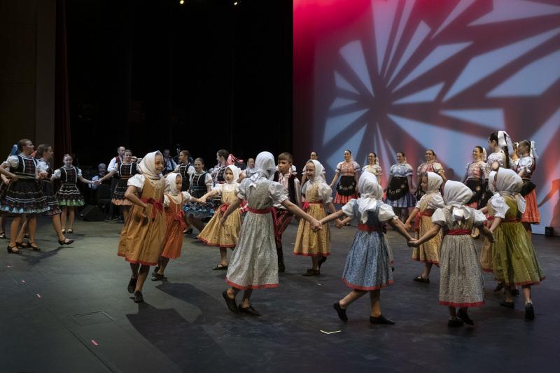 Toronto-20191007-Vychodna-Slovak-Dancers-35th-Gala-_DSF4305