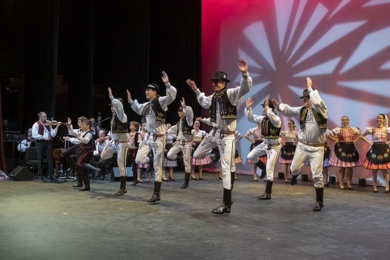 Toronto-20191007-Vychodna-Slovak-Dancers-35th-Gala-_DSF4317